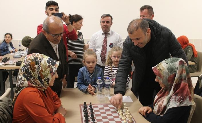 """""""Yurtlar Arası Satranç Turnuvası"""" Başladı"""