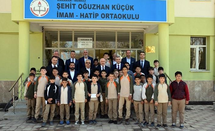 Vali Meral'den Şehit Oğuzhan Küçük İmam Hatip Ortaokuluna Ziyaret