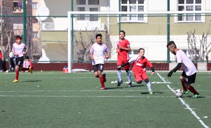 Yıldızlar Futbol İl Birinciliği Müsabakaları Başladı
