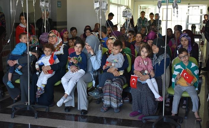 Hastanede Yatan Çocuklar Unutulmadı