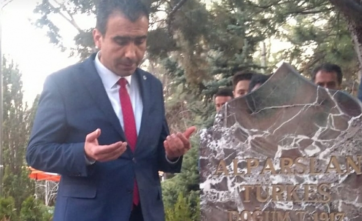 Kalaycı'nın İlk Ziyareti Alparslan Türkeş'in Kabri Oldu