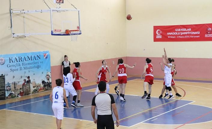 U18 Kızlar Yarı Final Basketbol Maçları Başladı