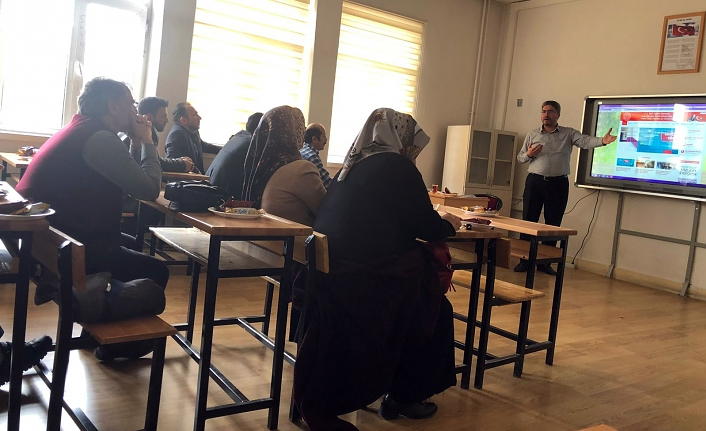 YÖGEP'le Okul Yönetiminde Bilgi ve Teknolojiler Eğitimi Verildi