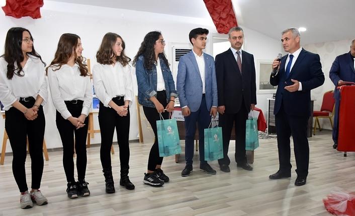 41 Okulun Katılımıyla Münazara Yarışması Final Yaptı