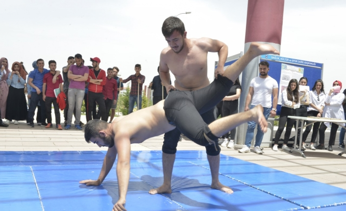 Geleneksel Türk Sporları Tanıtıldı