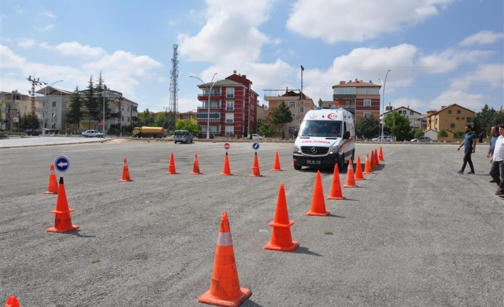 Ambulans Sürüş Teknikleri Eğitimi Tamamlandı