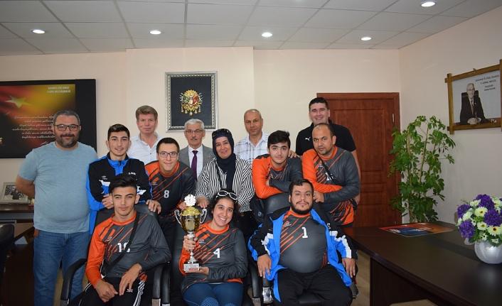 Şampiyonlar Kapar'ı Ziyaret Etti