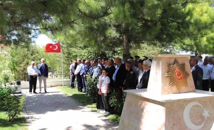 Karaman'da Protokol'den Şehitlik Ziyareti