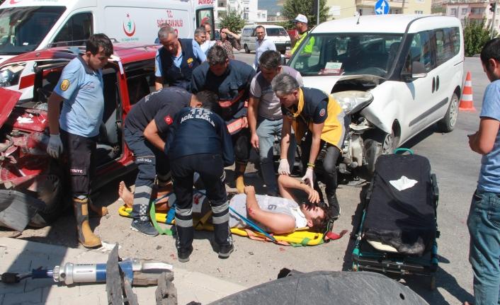 Mut`da Trafik Kazası: 1'i Ağır 5 Yaralı