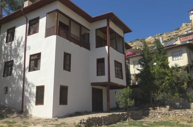 Ermenek'te Asırlık Evler Turizme Kazandırılıyor