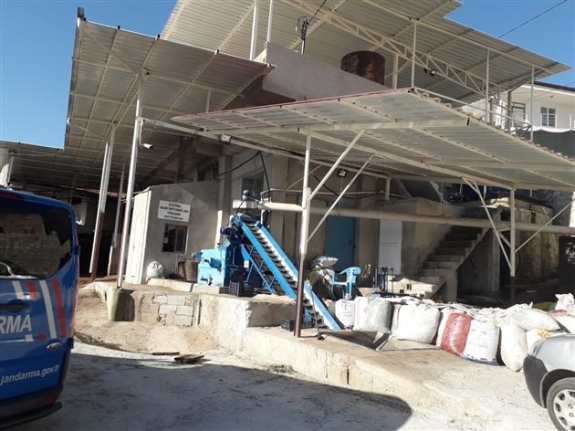 Zeytin Sıkım Fabrikasında Patlama: Karamanlı Vatandaşımız Hayatını Kaybetti