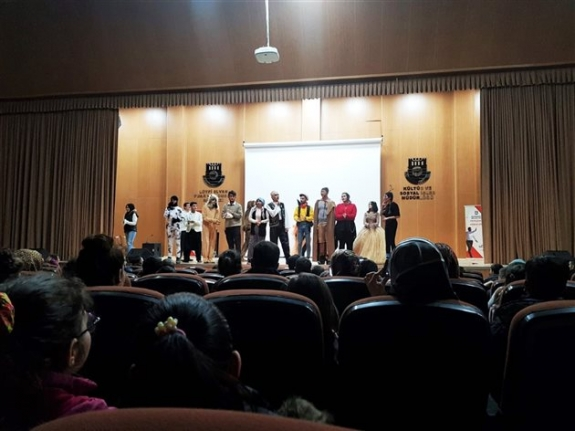 Karaman Belediyesi'nin Tiyatro Etkinliğinde Çocuklar Doyasıya Eğlendi