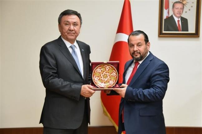Kırgızistan Ankara Büyükelçisinden Rektör Akgül`e Ziyaret
