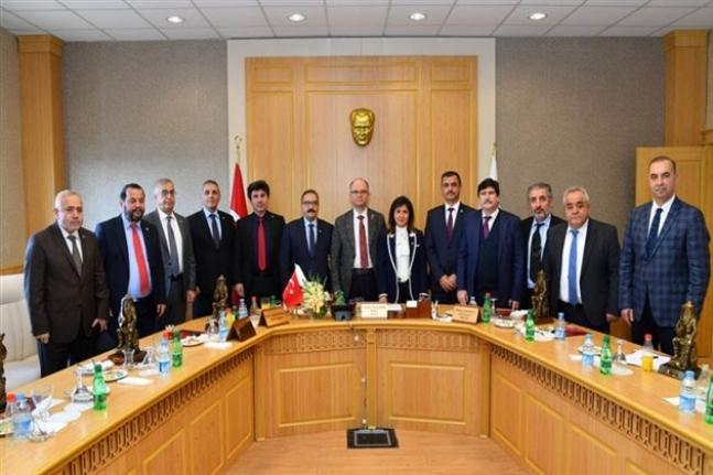 Rektör Akgül Osmaniye'de Rektörler Buluşmasına Katıldı