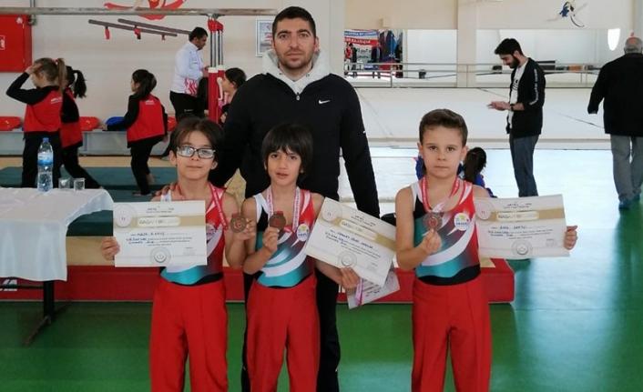 Karaman Cimnastik Ve Badminton Analig Takımları Bir Üst Turda