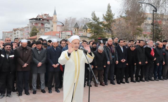 Karaman'da İdlib Şehitleri İçin Gıyabi Cenaze Namazı Kılındı