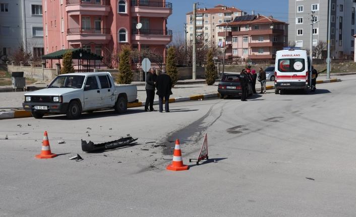 Karamandaki Kaza'da Sürücü Aracından İnmedi