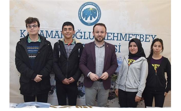 """""""Kariyer, Eğitim ve Mesleki Tanıtım Fuarı'nda KMÜ'ye Yoğun İlgi"""
