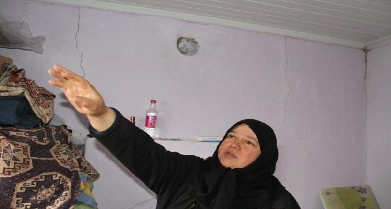 Konya'da Deprem Sonrası Halk Geceyi Dışarda Geçirdi