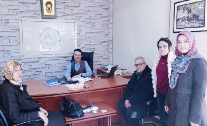 Mutlu Yüzler Derneği Üyeleri Cabaroğlu'nu Ziyaret Etti