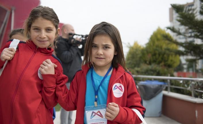 Sırkeçili Yörük Çocukları Kent Yaşamının Renkli Dünyası İle Buluştu