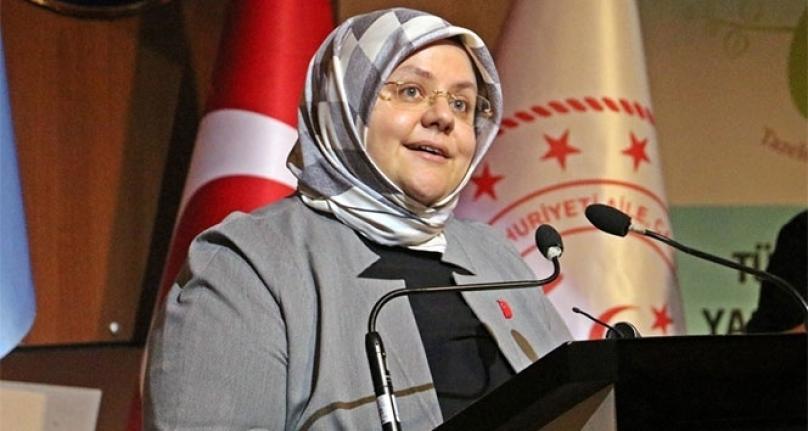 """Bakan Selçuk: """"Evde Bakım Yardımından ve Engelli Aylıklarından Yararlananların Raporları Mayıs Sonuna Kadar Geçerli"""""""