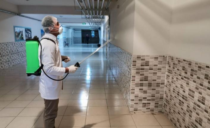 Karaman'da Okullar Koronavirüse Karşı Dezenfekte Ediliyor