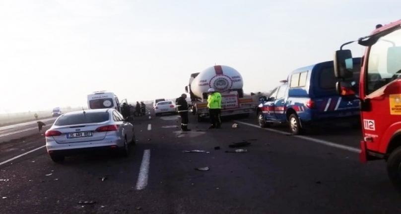 Karapınar'da Lpg Tankeri İle Otomobil Çarpıştı: 4 Yaralı