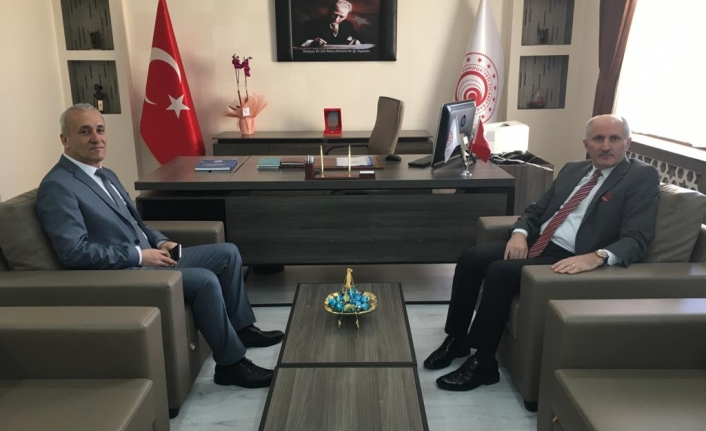 Vali Meral 'den Ticaret İl Müdürü Adem Özcan 'a Hayırlı Olsun Ziyareti