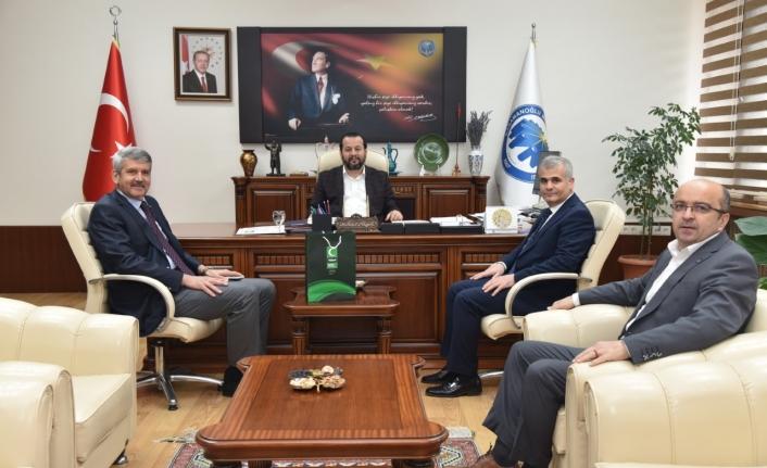 Yeşilay Derneğinden Rektör Akgül'e Ziyaret