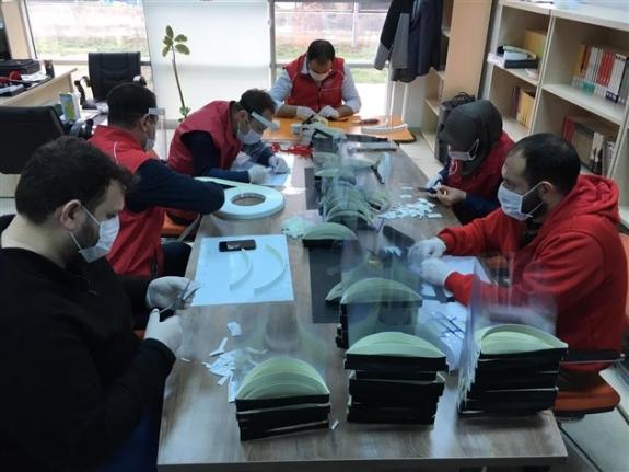 Ereğli Gençlik Merkezinde `Korumalı Maske` Üretimi