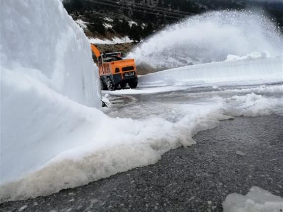 Konya'da 5 Ay Önce Kardan Kapanan Yol Trafiğe Açıldı