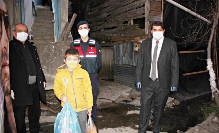 """""""Yasal Hakkım` Diyen Çocuk Jandarmadan Bakın Ne İstedi"""