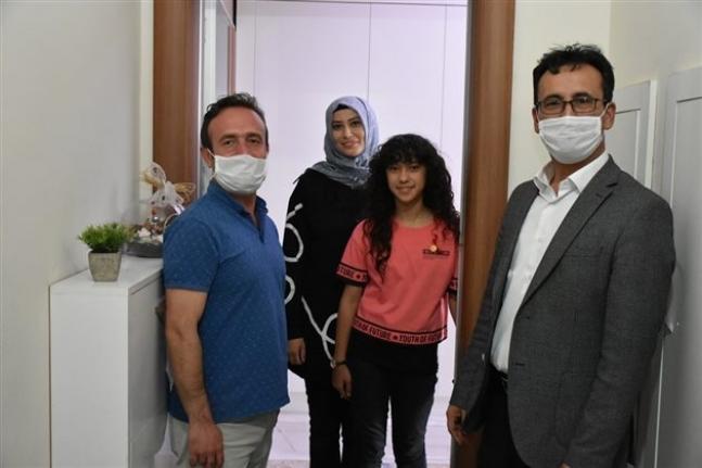 """""""Daima Türkçe"""" Dediler ve Ödüllerini Aldılar"""