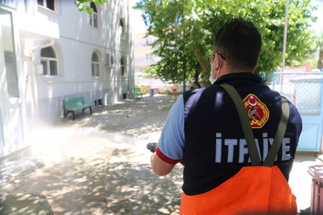 Karaman Belediyesi Camileri Cuma Namazına Hazırlıyor