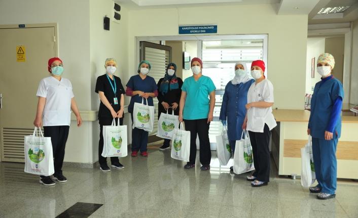 Karaman Belediyesi Hemşireler Günü'nde Sağlıkçıları Unutmadı