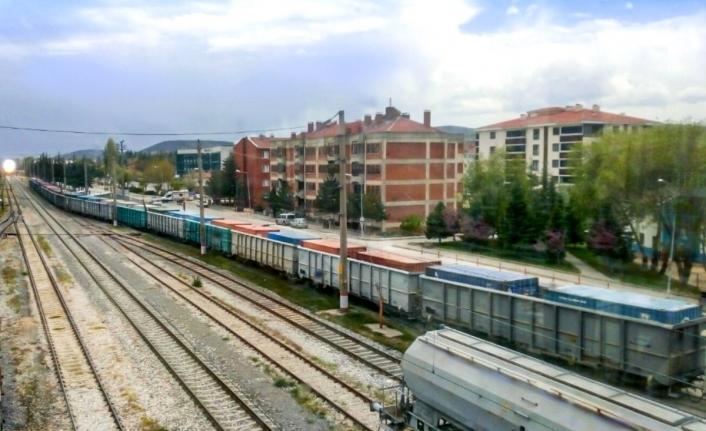 Türkiye`nin Tek Seferde En Uzağa Giden En Uzun İhracat Treni Yolda