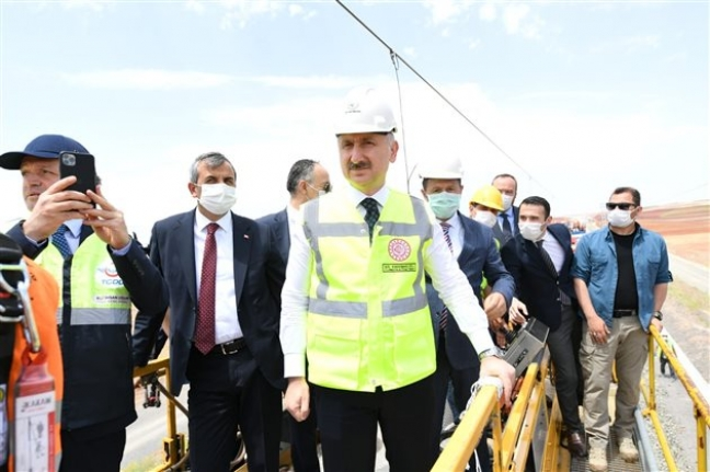 """Bakan Karaismailoğlu """"Karaman-Konya Hattı Yıl İçerisinde Tamamlanacak"""""""