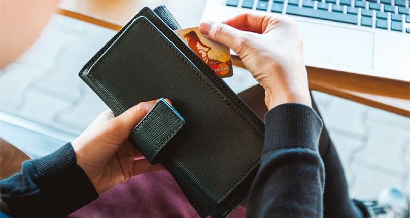 Banka ve Kredi Kartı ile Yapılan Harcamalar Yüzde 44 Arttı