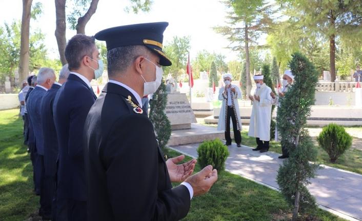 Karaman`da Korona Virüs Tedbirleri Altında Şehitlik Ziyareti