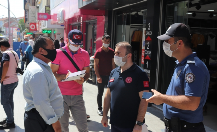 Karaman'da Maske Takmayan 41 Kişiye Tutanak Tutuldu