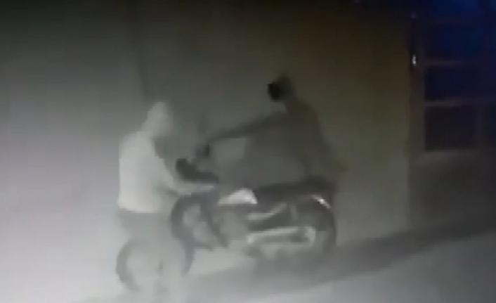 Motosikleti Çalamayınca Bırakıp Gittiler