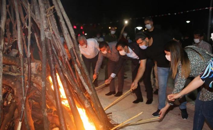2. Uluslararası Karaman Türk Dünyası Şöleni Şölen Ateşi Programıyla Gerçekleşti