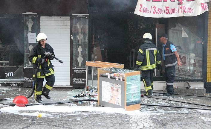 Bijuteri Dükkânında Çıkan Yangın Maddi Hasara Neden Oldu