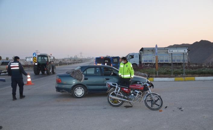 Ereğli'de Otomobil İle Motosiklet Çarpıştı: 2 Yaralı