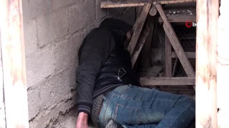 Karaman'da Alkollü Şahıs Girdiği Kümeste Sızıp Kaldı