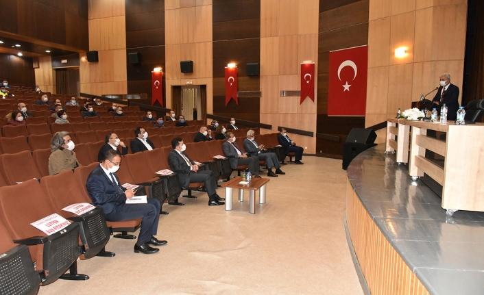 Karaman'da Covid-19 İle Mücadele Toplantısı Yapıldı