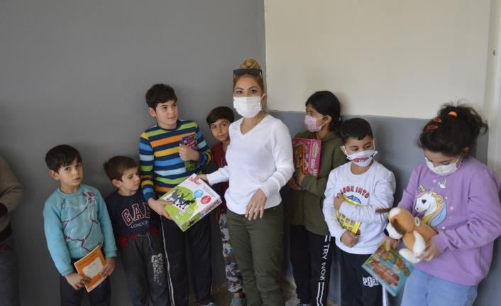 Karaman`da Görev Yapan Fedakar Öğretmen'den `Dokunun umut olsun` Projesi