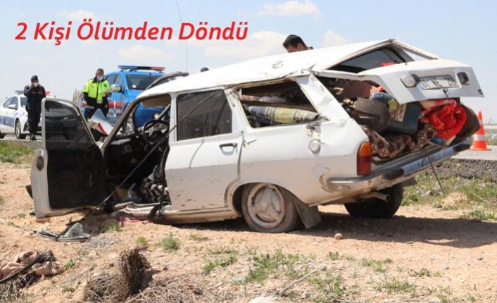 Karaman'da Takla Atan Otomobildeki 2 Kişi Ölümden Döndü