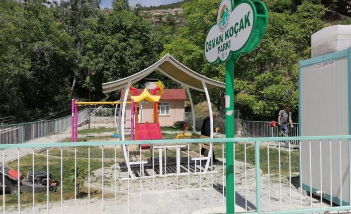 Ermenek'te Park ve Bahçelerde Bahar Temizliği